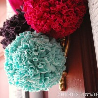 t-shirt pom poms TUTORIAL