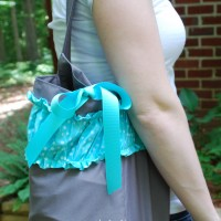 ruffled Silhouette tote bag