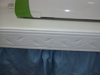 moulding on edge of desk