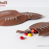 Football Craft: DIY Candy Pouches