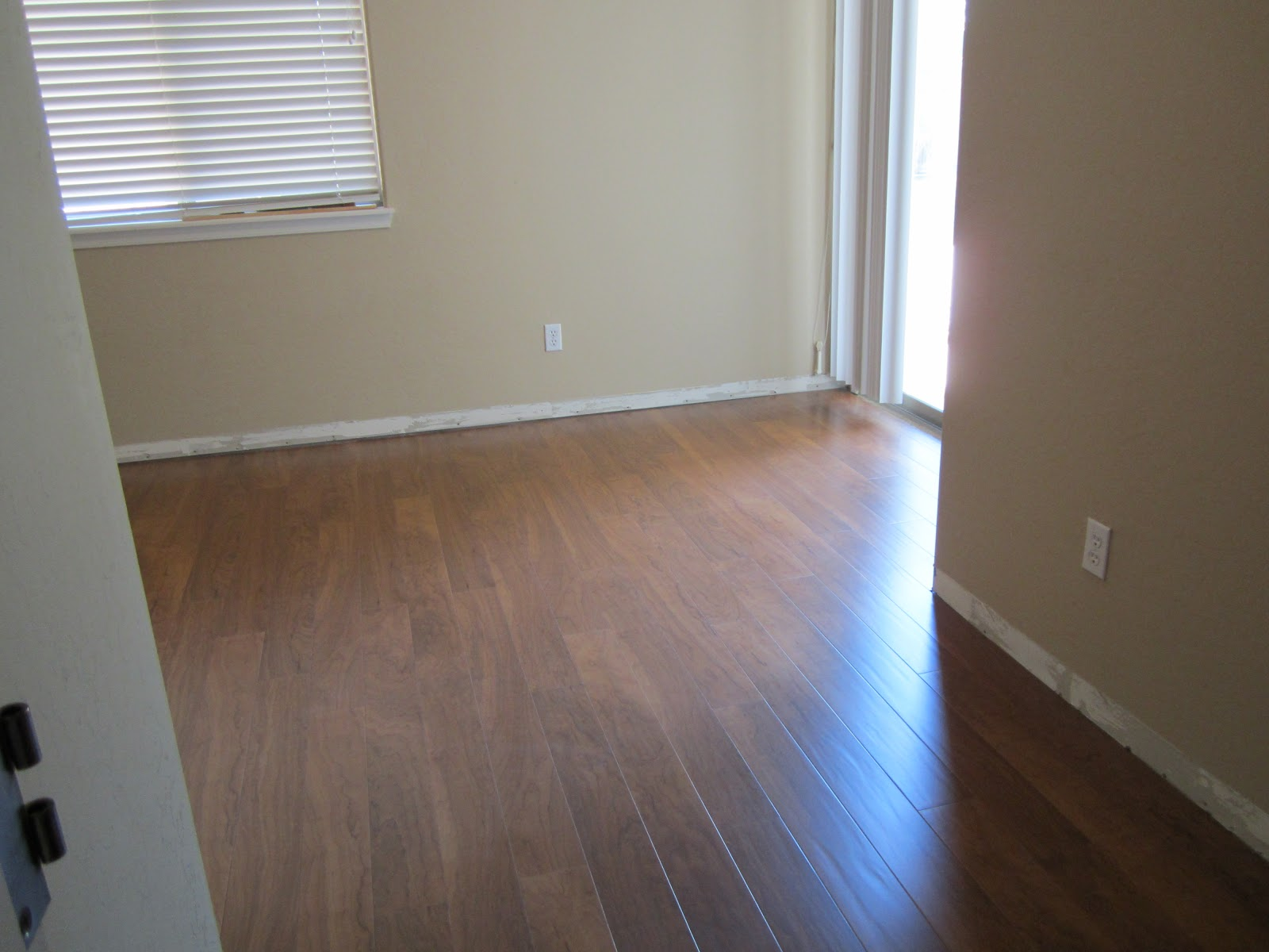 wide plank laminate floorin