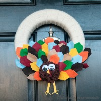 Thanksgiving Craft: A Turkey Wreath