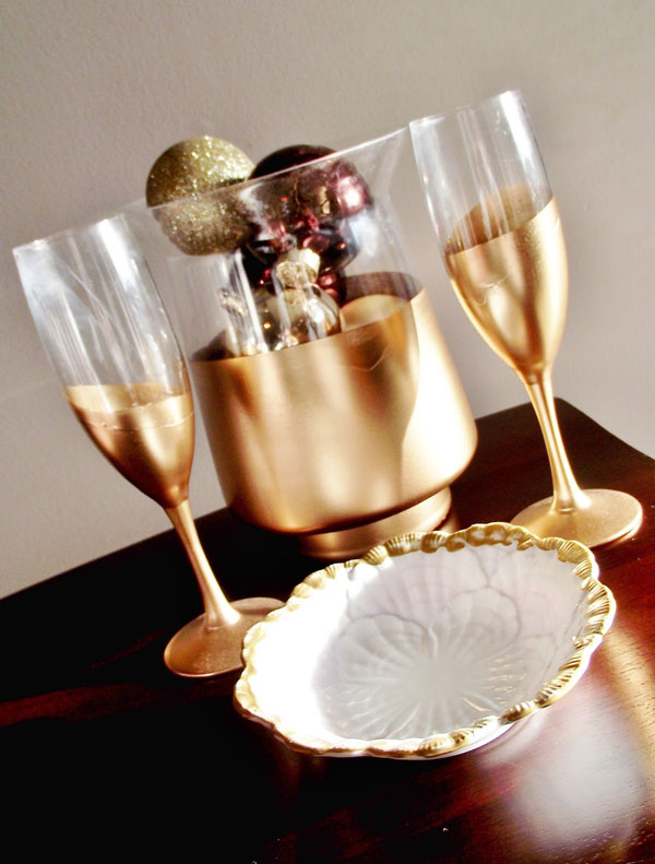 gold dipped champagne flutes