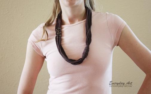 diy t-shirt necklace