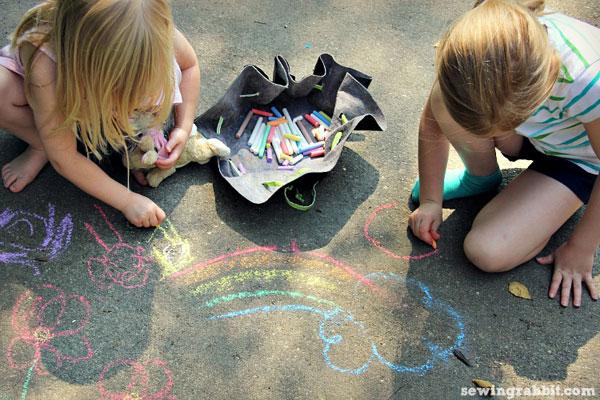 sidewalk chalk pouch tutorial