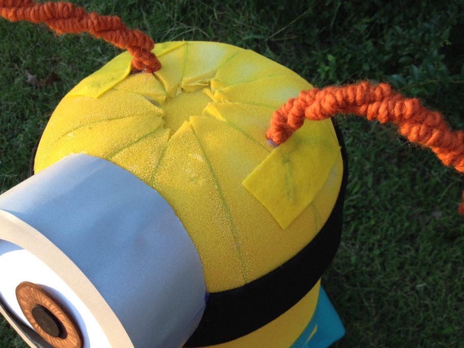 instructions on how to make a minion costume