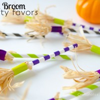 Paper Straw Witch Brooms {Halloween Party Favor} #ScotchEXP