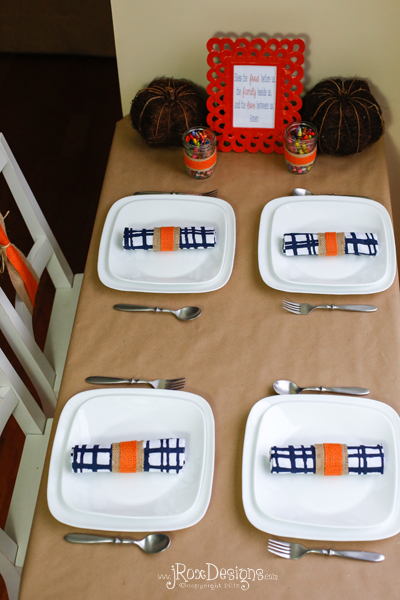 kids table at thanksgiving