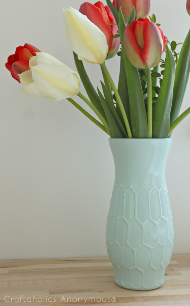 Easy hexagon vase makeover. Cheap and easy way to make a thrifted vase look like a designer vase!