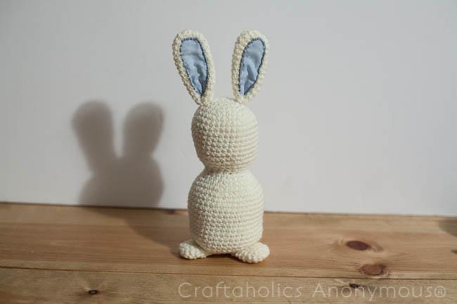 Crochet rabbit pattern tutorial. Such a cute little guy!