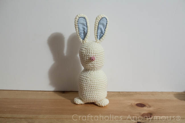 Crochet bunny pattern tutorial. super duper cute!