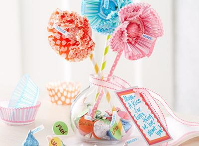 easy Mother's Day gift idea using HERYSHEY KISSES!