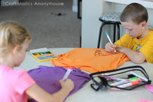 t shirt bag tutorial. Fun kids craft idea + great way to reuse old tees!