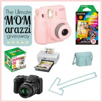 The Ultimate Mom-arazzi Giveaway!