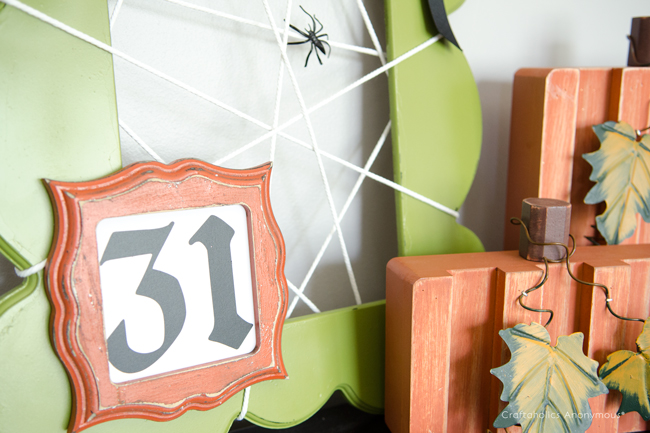 Halloween frame craft idea, spider web frame, spooky frame.