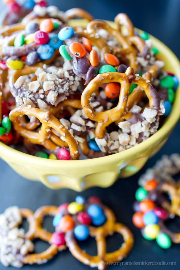 Chocolate-And-Candy-Dipped-Pretzels-copy