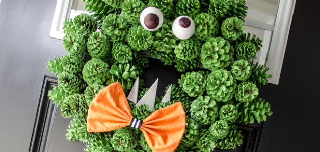 halloween-monster-wreath-featured-image