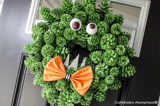 halloween-monster-wreath-featured-image