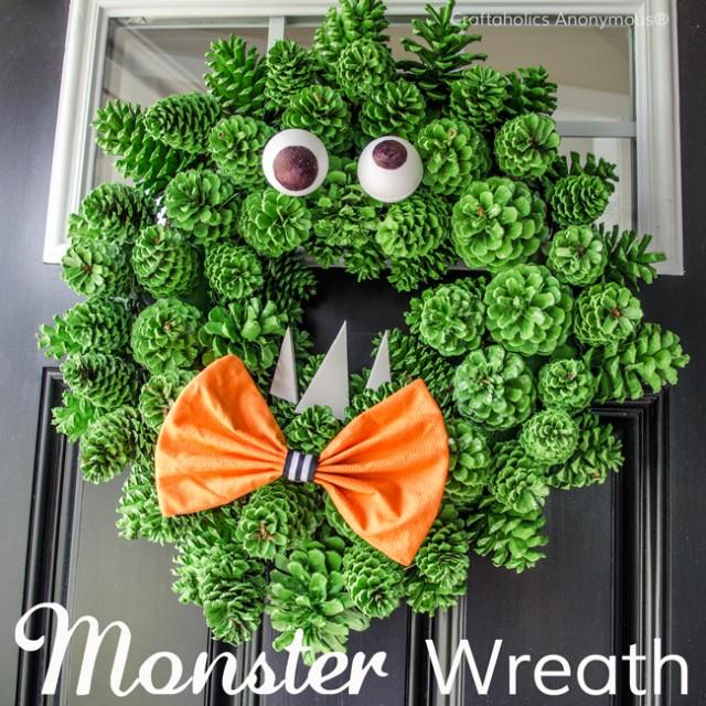 monster-wreath