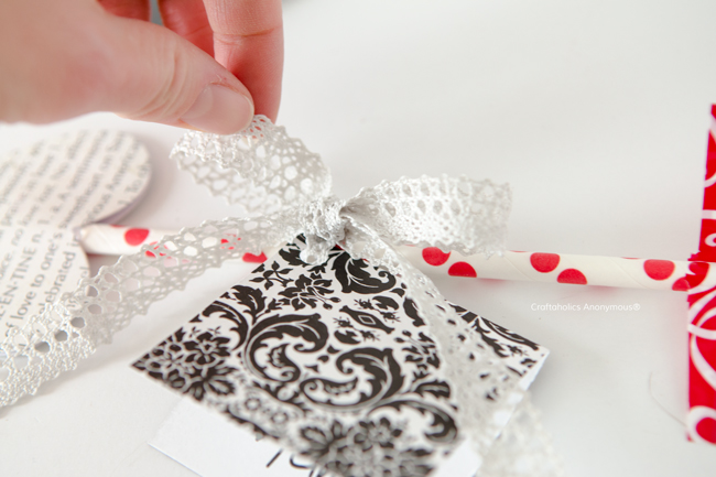 DIY Valentine || love the lace on this Cupid's Arrow Valentine!