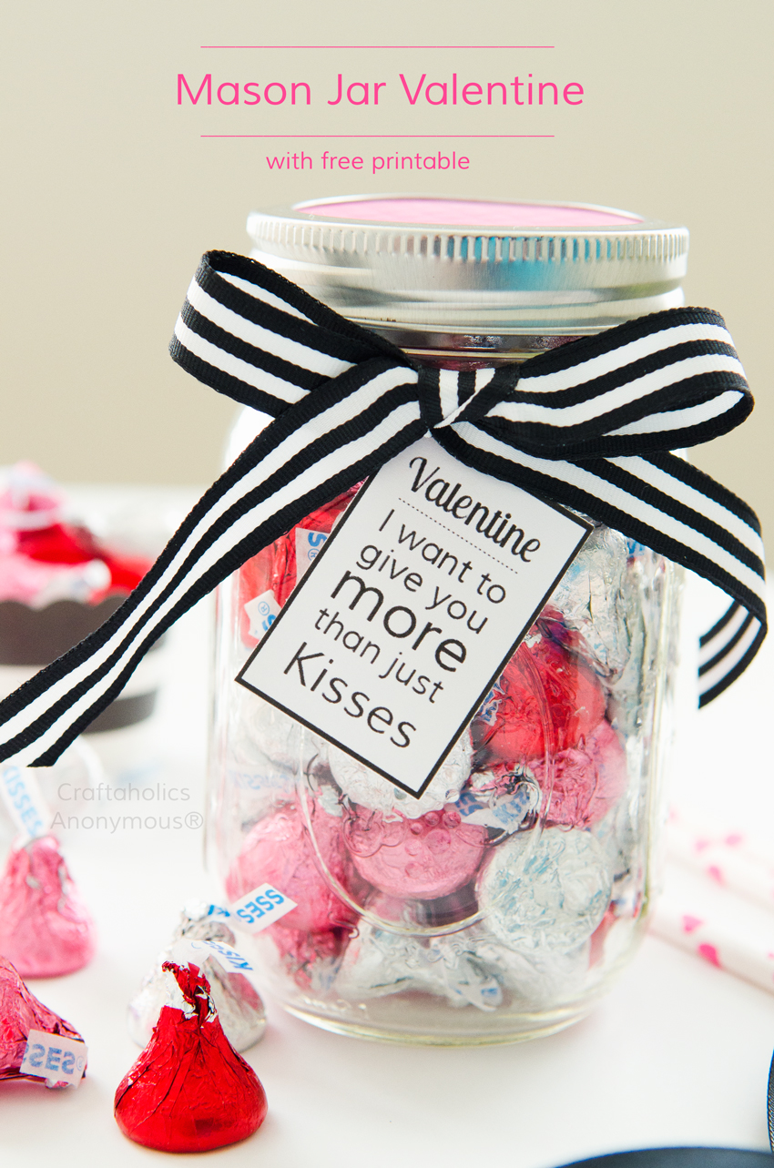 Mason Jar Valentine with Free Printable Tag || Sweetly romantic gift idea for that special someone!