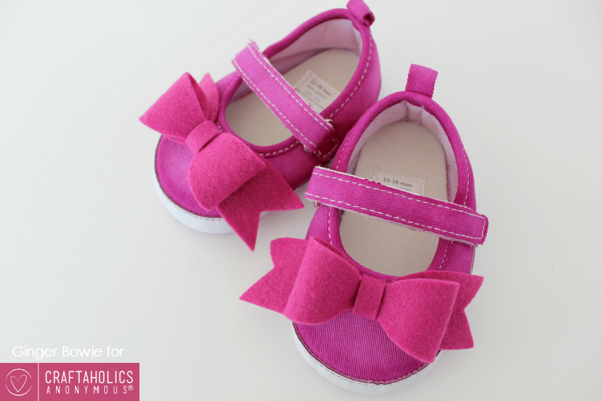 baby mary jane shoes with DIY felt bows