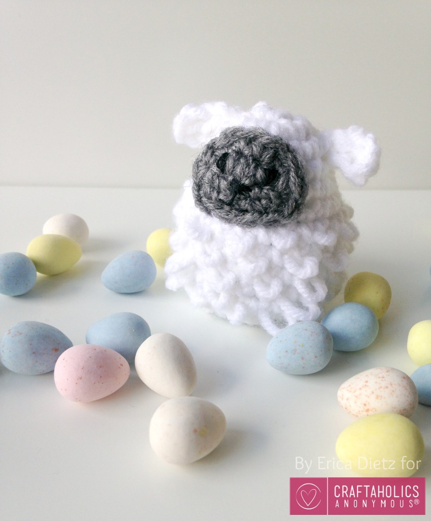 Crochet Sheep Easter Egg pattern || Free crochet pattern also includes chick and bunny instructions.