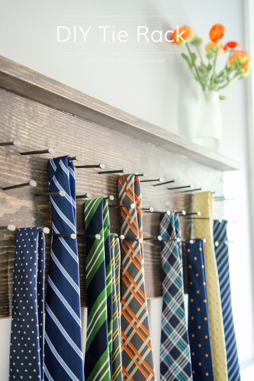 Rustic Tie Rack Tutorial || Awesome DIY Father's Day gift idea!