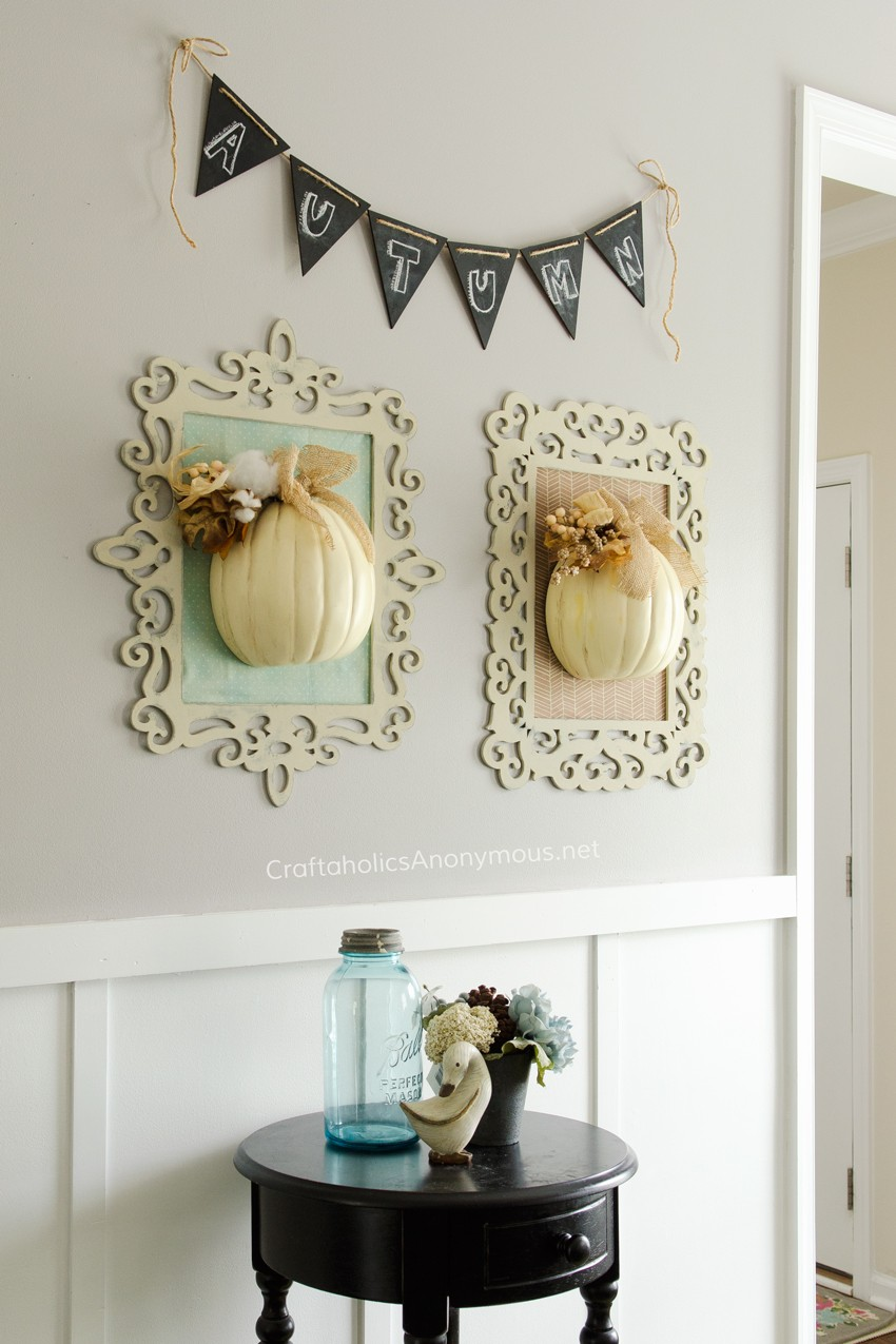 Beautiful Fall Vignette || Simple, yet so stunning Fall Decor!