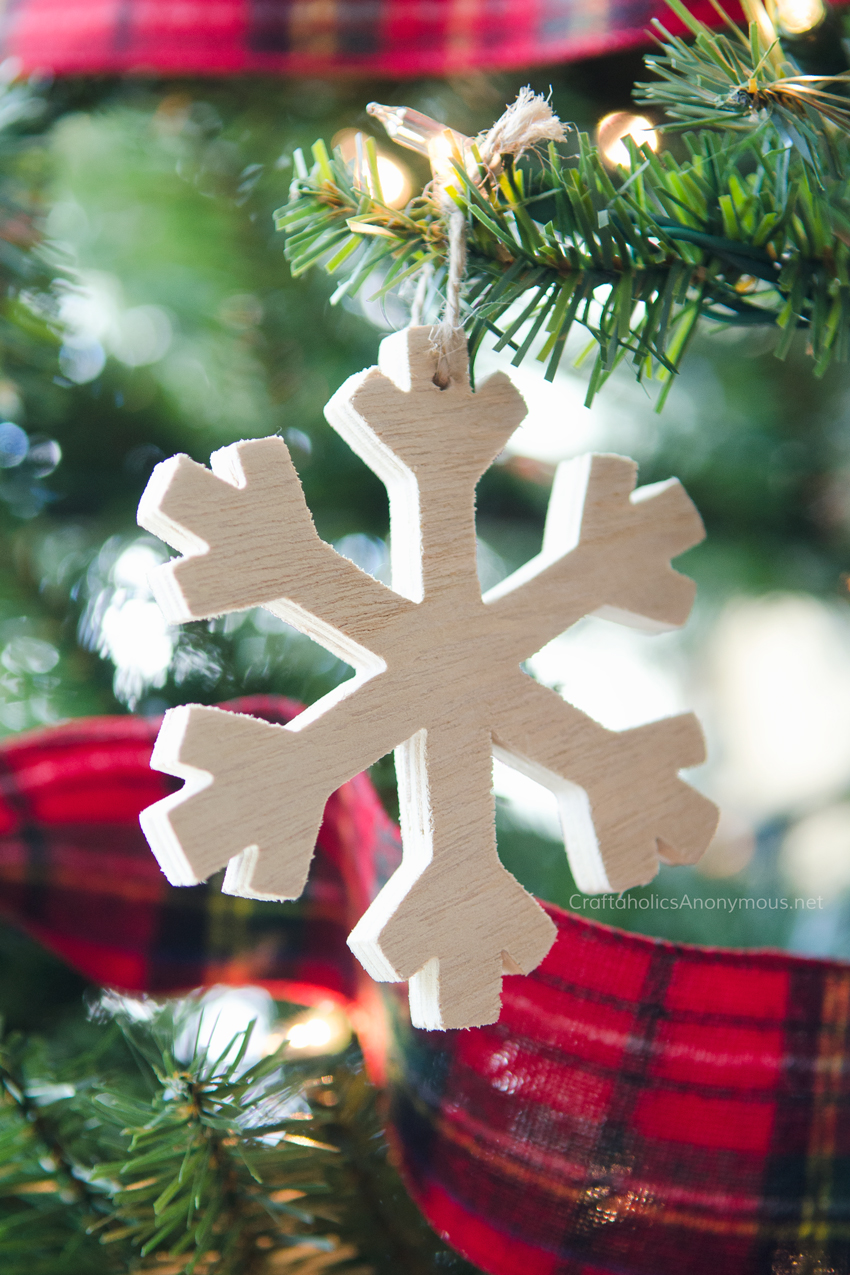 wood-snowflake-ornament