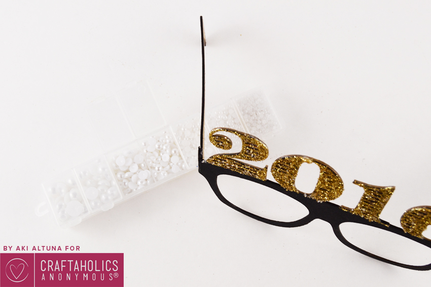 2016-New-years-eve-glasses-photo-prop-minted-strawberry-6