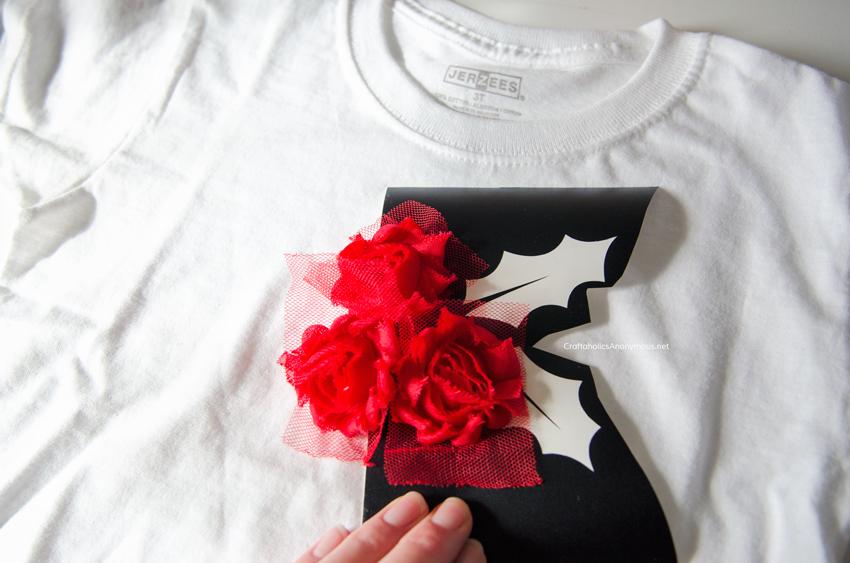 DIY Christmas Shirt tutorial. Easy last minute Christmas outfit idea!