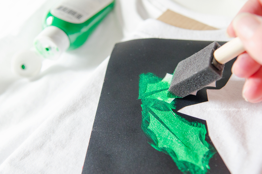 Easy Christmas Shirt tutorial. Great last minute Christmas craft idea!