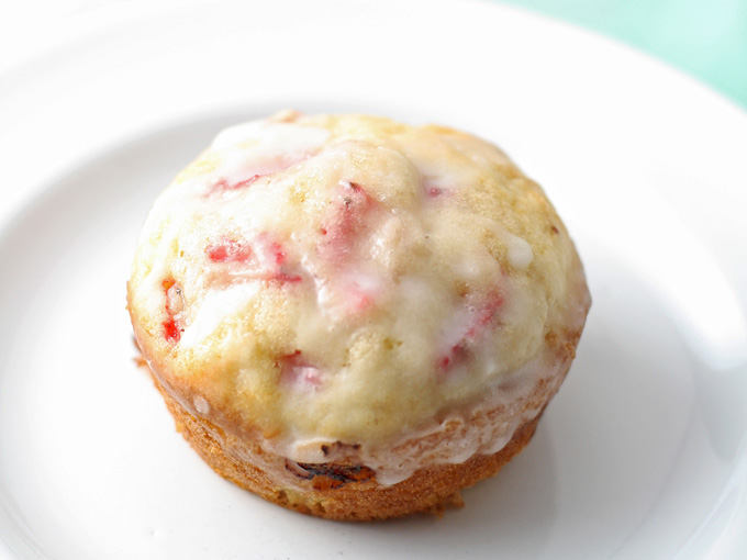 strawberry-muffins-13