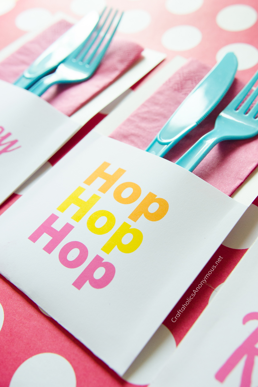 Printable Easter Utensil Holders :: Download for free! 3 designs to choose from. www.CraftaholicsAnonymous.net