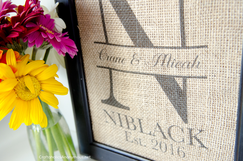 Monogram Burlap Wedding Gift idea :: How to print on Burlap tutorial which is so easy!