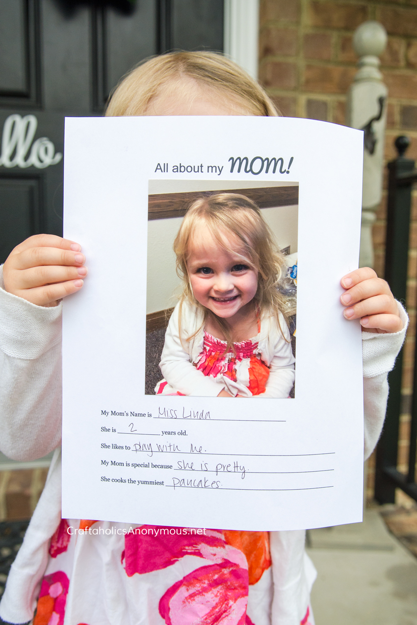 Mother's Day gift for kids :: All About Mom interview + picture (free printable)