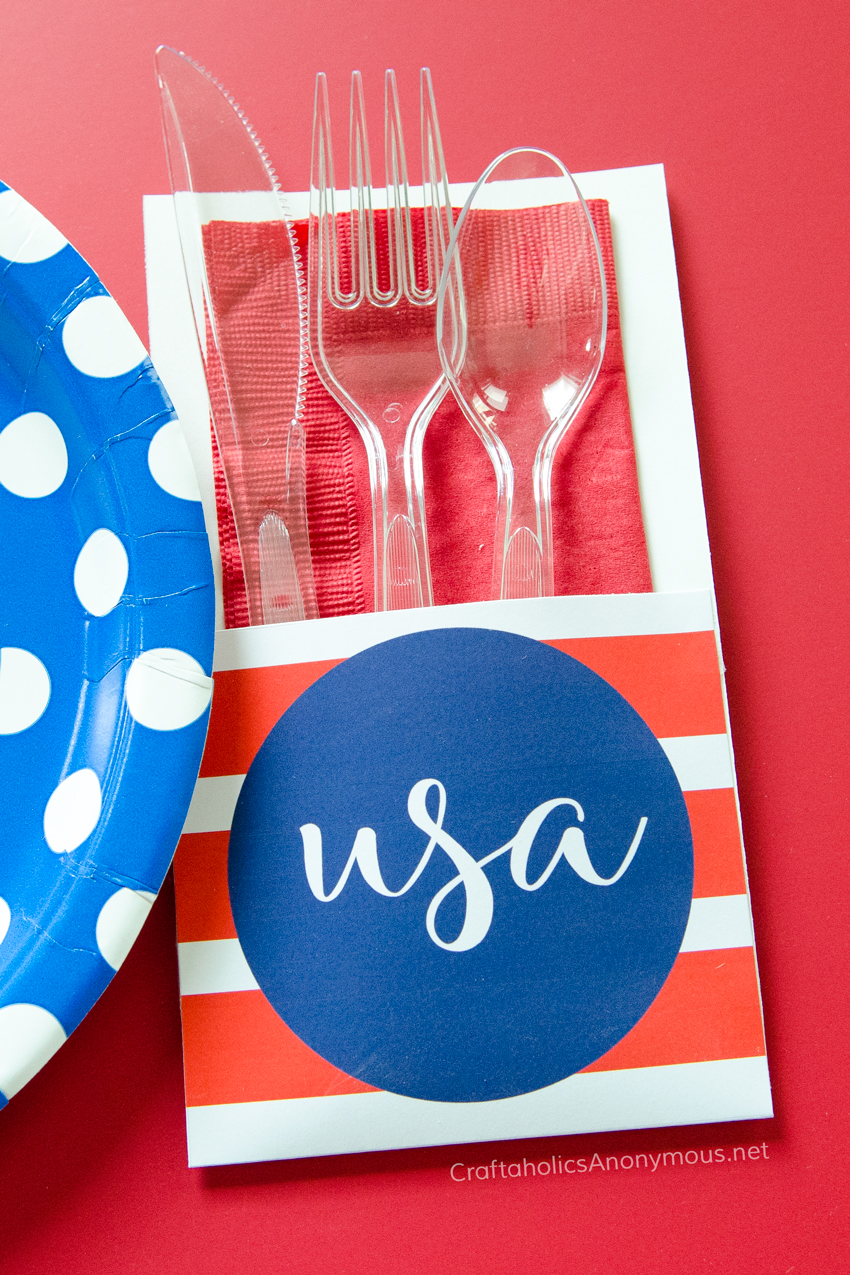 Independence Day Free Printable Utensil Holders || Great for any Patriotic gathering!