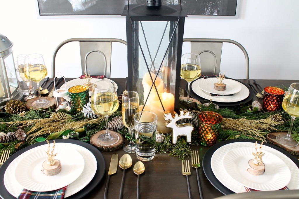 12-christmas-tablescapes-amidst-the-chaos