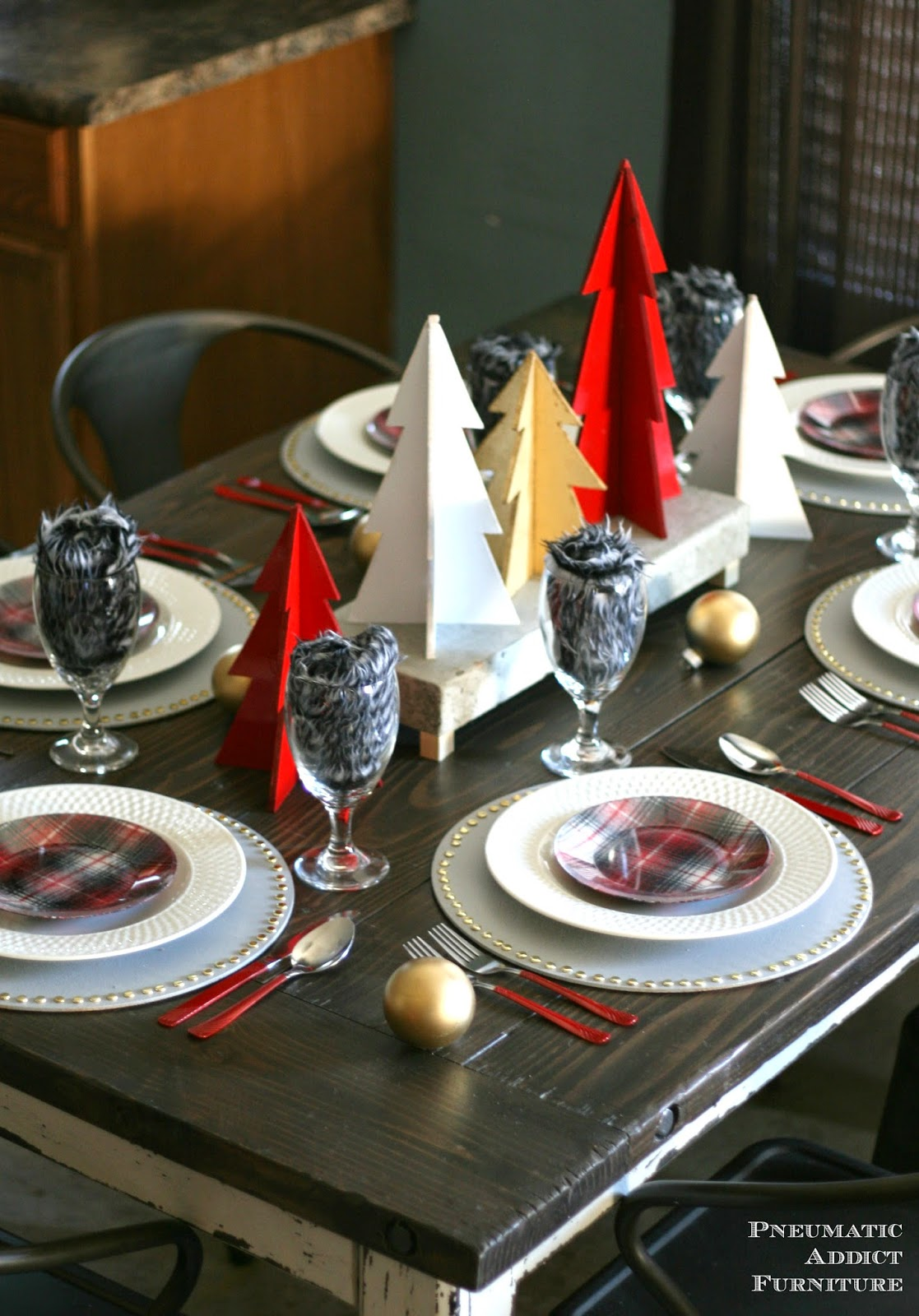 15-christmas-tablescapes-pneumatic