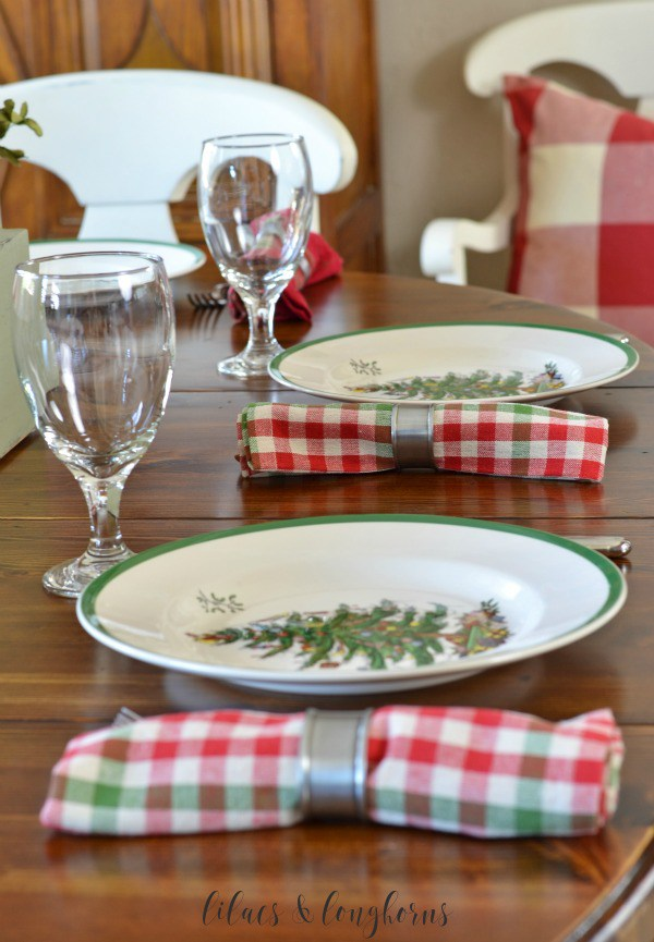 20-christmas-tablescapes-lilacs