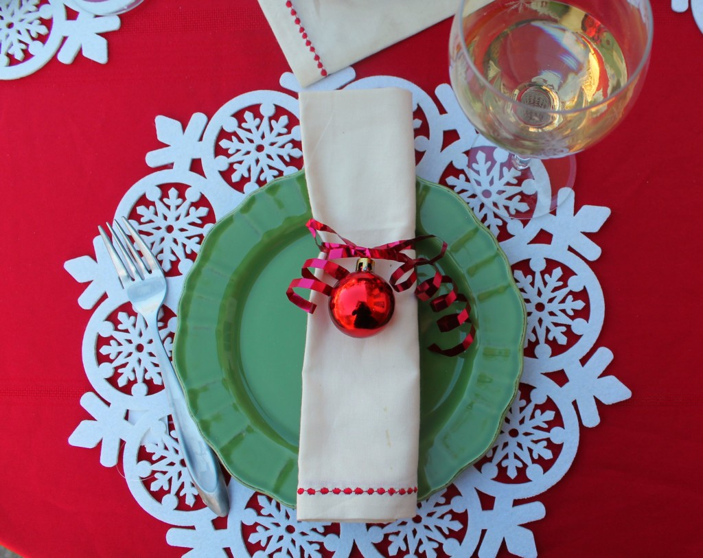 3-christmas-tablescapes-simply-southern