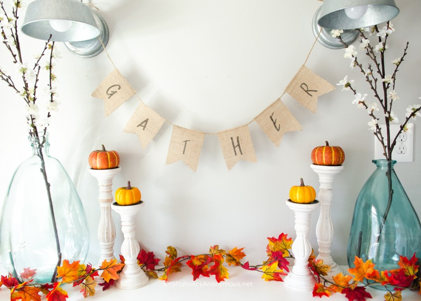 DIY Burlap Gather Banner - Free Printable :: PERFECT for Thanksgiving!