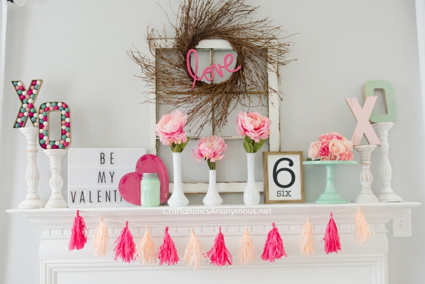 Valentine's Day Mantel decor @CraftaholicsAnonymous