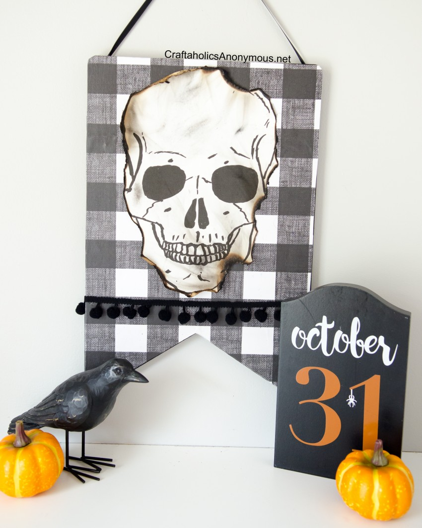 Halloween-Skull-Sign-tutorial