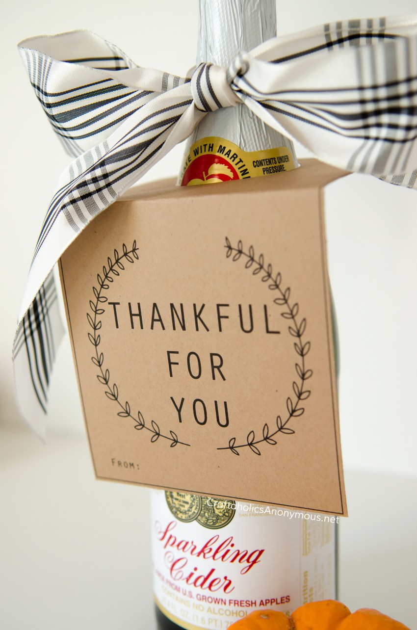 Hostess gift ideas :: Thankful for you Free Printable Bottle Neck hanger. Perfect for wine!