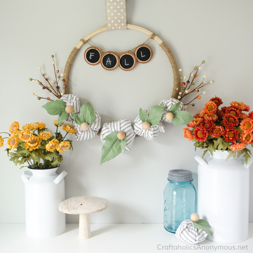 Farmhouse Fall Wreath DIY tutorial