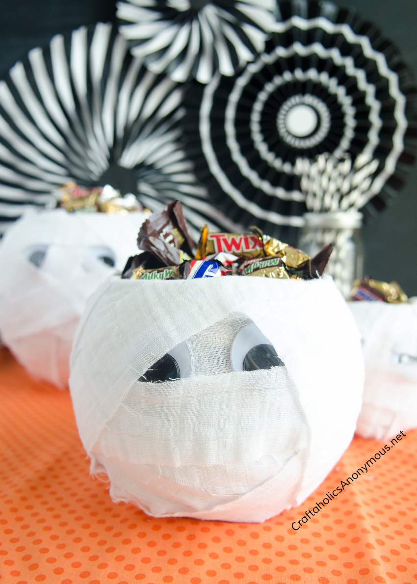 Halloween-Mummy-Candy-Bowl